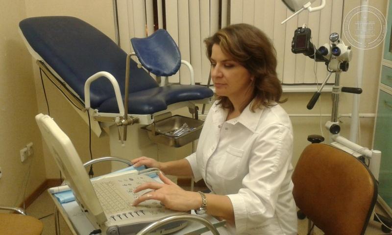 на приеме у гинеколога исследователя